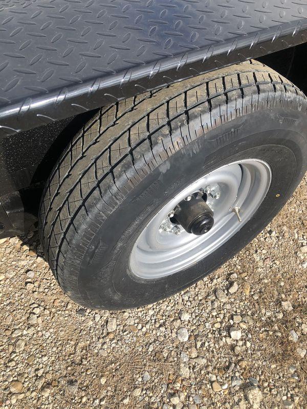 36 Ft Flatbed/ Car Hauler