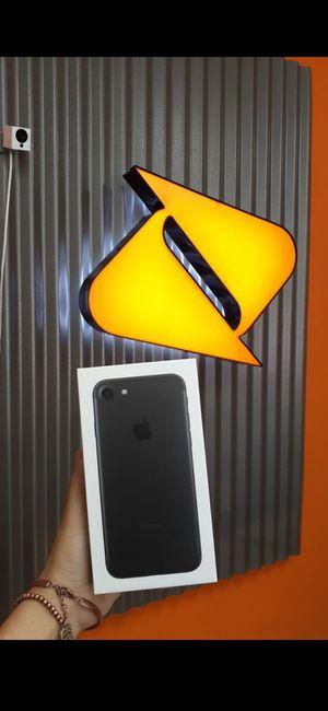 Iphone 7 con boost mobile, tan solo 50$ for Sale in Hialeah, FL
