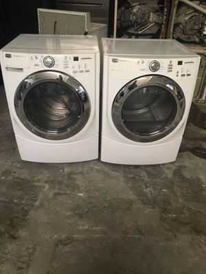 Set washer and dryer brand Maytag gas dryer everything is good working condition 90 days warranty delivery and installation for Sale in San Leandro, CA