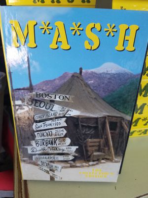 MASH VHS COLLECTOR'S EDITION for Sale in Riverside, CA
