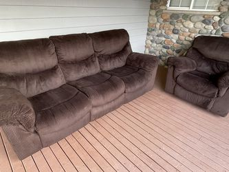 (Free Delivery) Comfy Brown Recliner Set for Sale in Granite Falls,  WA