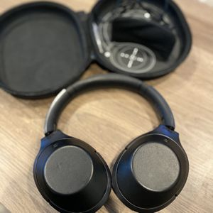 Sony Noise Cancelling Headphones for Sale in Los Angeles, CA