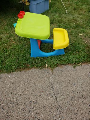 Kids desk for Sale in White Bear Lake, MN