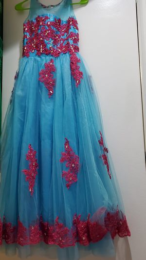 Evening dresse for Quinceanera, sweet 16, homecoming! for Sale in Alexandria, VA