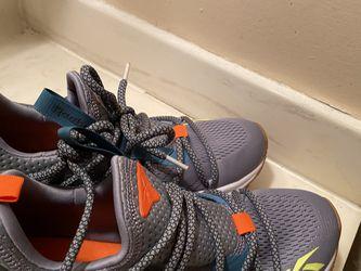 Reebok Shoes Size 8 for Sale in Marietta,  GA