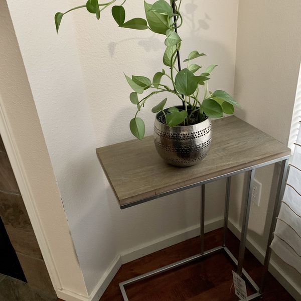 Nwt Distressed C Side Table For Sale In Redmond Wa Offerup