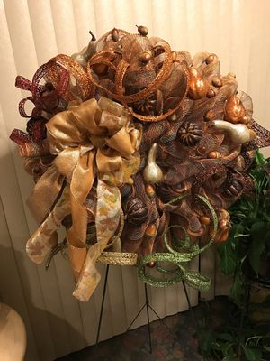 """Fall spiral Wreath 30"""" wide, for Sale in Tacoma, WA"""