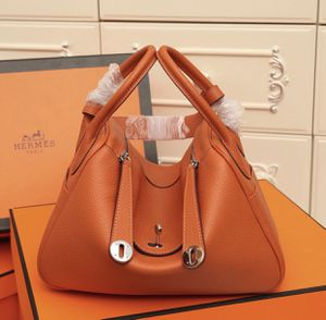 Hermès Lindy Bag authentic quality for Sale in Los Angeles, CA