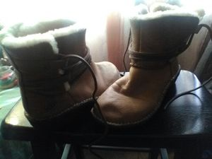 UGG BOOTS USED for Sale in Laveen Village, AZ