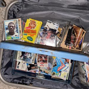 Thousands Of 1990-1995 Basketball, Foot Ball And Baseball cards for Sale in Portland, OR