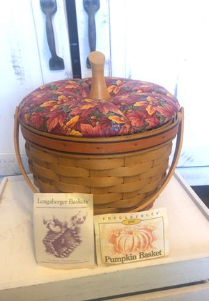 Longaberger 1995 Pumpkin Basket with liner and protector for Sale in Queen Creek, AZ