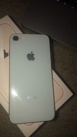 iPhone 8 unlocked 64Gb for Sale in Woodbridge, VA