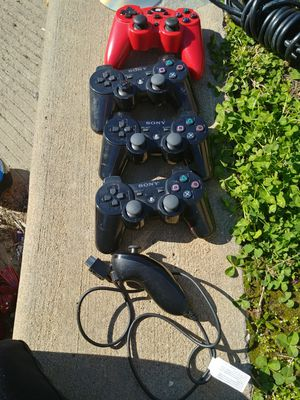 $50 for all 5 controllers for Sale in St. Louis, MO