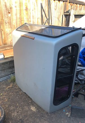 Nissan Frontier 2002 model camper top with light for Sale in Hayward, CA