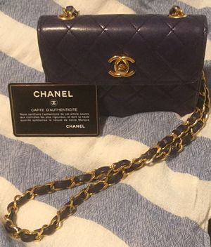 Chanel Mini Caviar bag for Sale in San Diego, CA