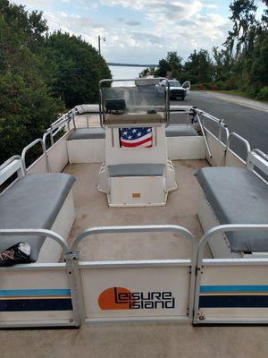 leisure island pontoon boat 19ft for Sale in Dona Vista, FL