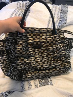 Kate spade medium purse. Great condition. for Sale in Smyrna, GA