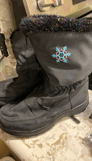 Girls (kids) Size 3 Snow Boots for Sale in Long Beach, CA