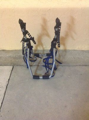 BIKE RACK THULE FOR 3 BIKES EXCELLENT CONDITION for Sale in Miami, FL