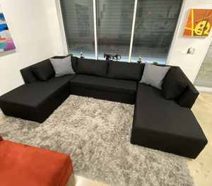 Modern u shape sectional sofa couch for Sale in Davie, FL