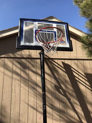 """Lifetime elite 52"""" in ground basketball hoop. for Sale in Las Vegas, NV"""