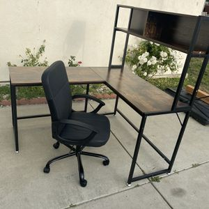 Corner Desk With Office Chair for Sale in Chino Hills, CA