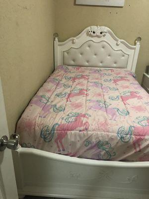 Full girls bedroom set for Sale in Homestead, FL