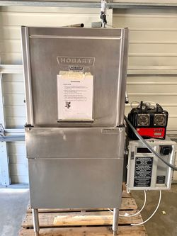 Commercial Upright Hobart Dishwasher for Sale in Renton,  WA