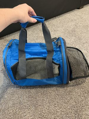 Small pet carrier for Sale in Columbus, OH