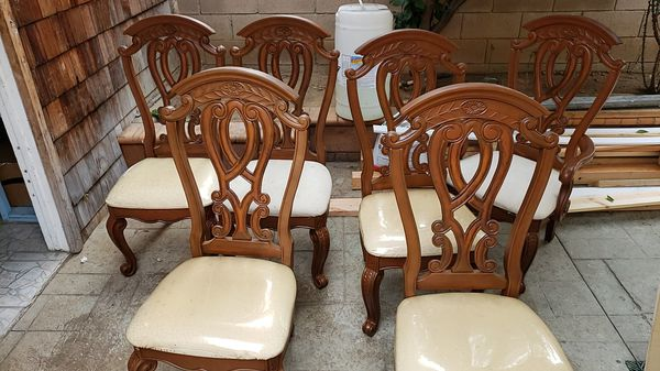 Dinner table chairs