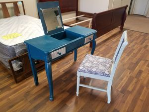 Vanity desk with chair $125 for set for Sale in Tulsa, OK