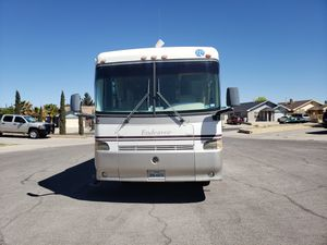 Must sell 1999 holiday rambler endeavour diesel for Sale in El Paso, TX