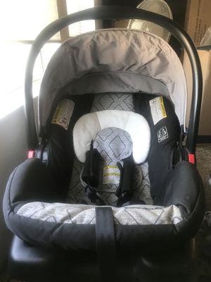 Graco snugride 30 LX infant car seat for Sale in Orange, CA