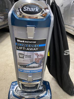 Shark Power Rotator Lift Away with extra accessories and led light for Sale in Coopersburg, PA