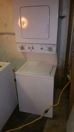 KENMORE 24INCH GAS STACKABLE WASHER DRYER CLEAN 115v for Sale in Philadelphia, PA