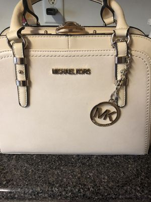 Michael Kors purse for Sale in Smyrna, TN