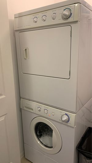Frigidaire washer and dryer for Sale in Naples, FL