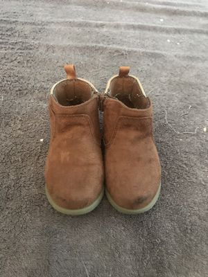Size 4 Toddler Girl's Crazy 8's Boots for Sale in West Dundee, IL