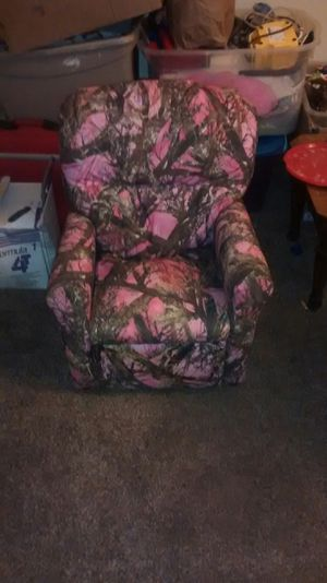 Kids chair recliner for Sale in Saint Charles, MO