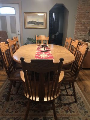 Oak Dining Room Table, dbl pedestal , 2 leafs, 8 chairs 2 pc. Hutch. Excellent condition. $800.00 for Sale in Cleveland, OH