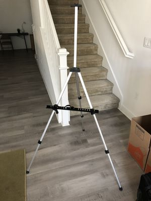 "66"" Tall Lightweight Aluminum Field Art Easel for Sale in Santa Ana, CA"