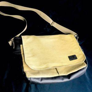 Joseph Abboud Joe Canvas Vegan Leather Messenger Laptop Book Bag for Sale in Corona, CA