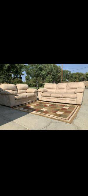Couch and loveseat for Sale in Hemet, CA