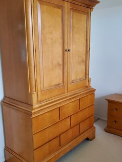 Bedroom Furniture Tall Dresser for Sale in Mukilteo,  WA