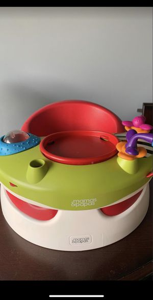 Mamas and papas snug with activity tray for Sale in Katy, TX