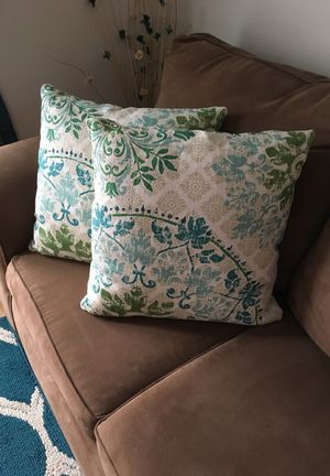 Pillows 18x18 for Sale in Centreville, VA