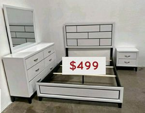 4PC queen bedroom set. Chest not included for Sale in Buena Park, CA