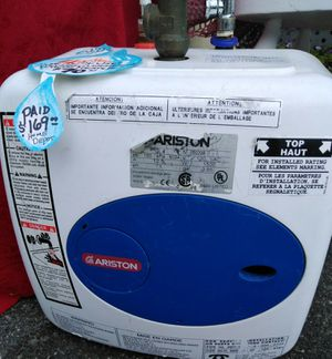 """*PRICE LOWERED!* ARISTON PORTABLE 4 GALLON """"POINT OF USE/ON DEMAND"""" WATER HEATER *LIKE NEW* for Sale in Elk Park, NC"""