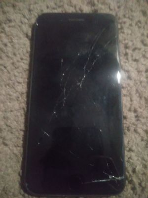 Iphone 8 plus screen damaged for Sale in Las Vegas, NV