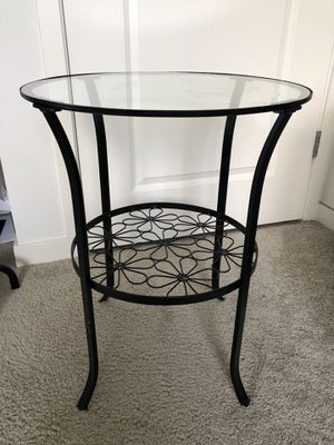 IKEA side table, clear glass for Sale in Prospect Heights, IL